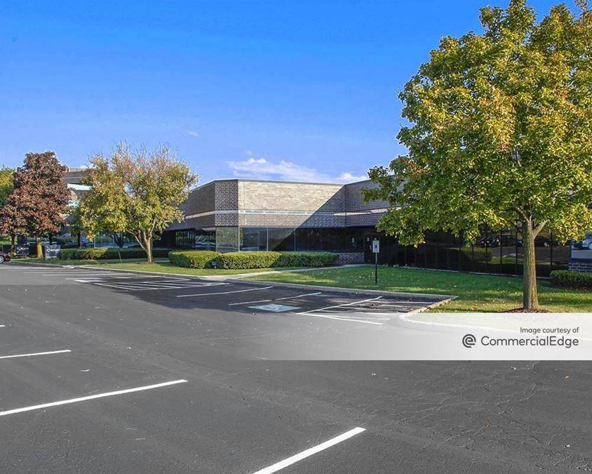 Crossroads Corporate Center - 20900 Swenson Drive