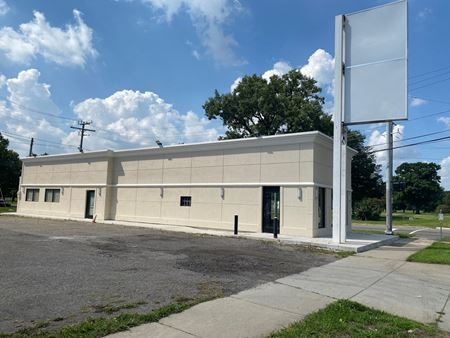 20851 Plymouth Rd - Detroit