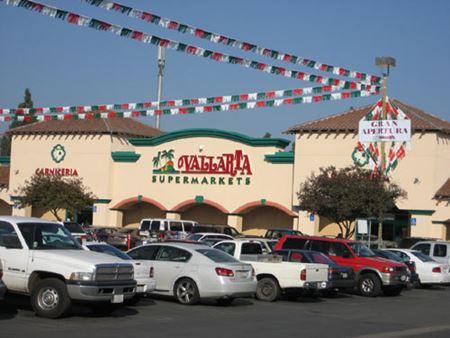 Sunnyside Shopping Center - Fresno