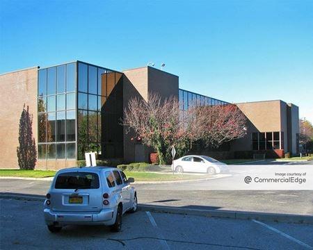 Nassau West Corporate Center - 55 Charles Lindbergh Blvd - Uniondale