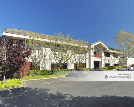 Oak Valley Business Center - 451 Aviation Blvd - Santa Rosa