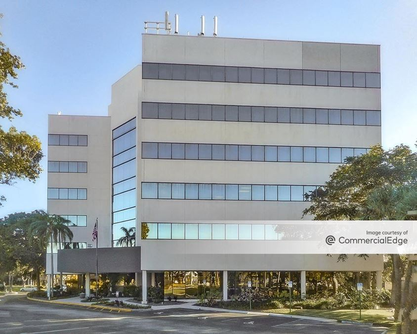 Spectrum Office Park - 4901 NW 17th Way