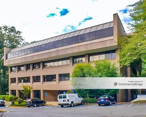 Lake Anne Professional Building