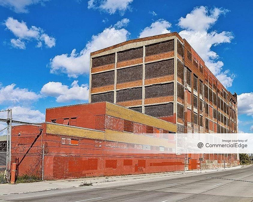 1599-1631 East Warren Avenue