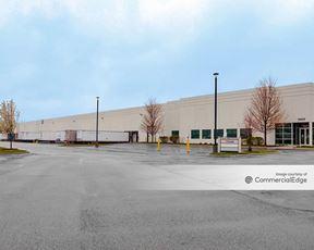 Green Oaks Business Center - 13825 West Business Center Drive