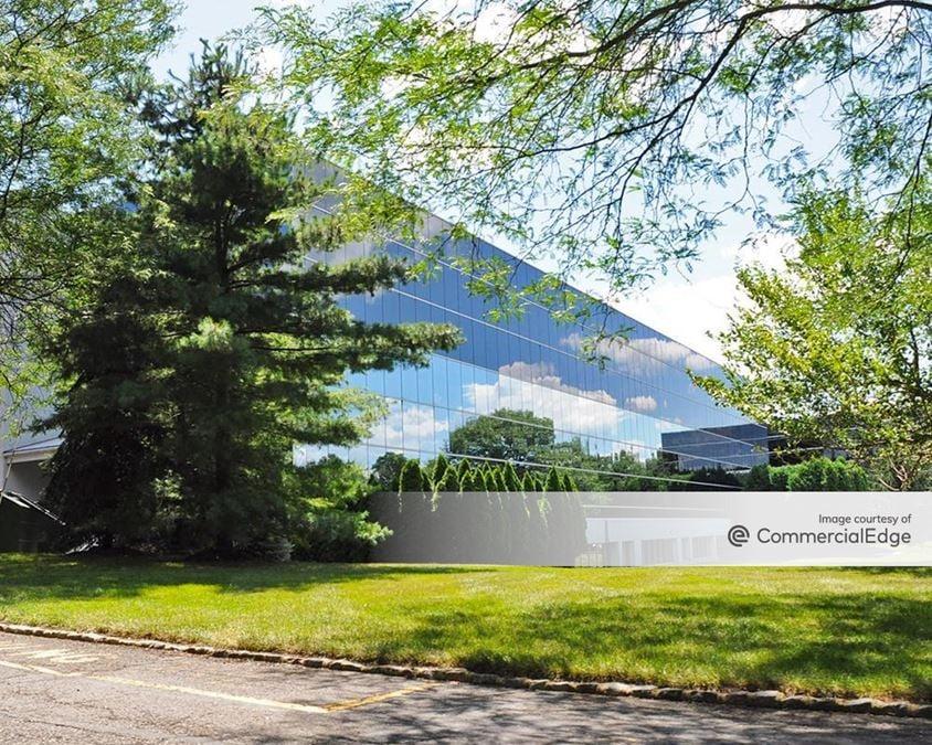 Mountain Heights Corporate Center - 420 Mountain Avenue