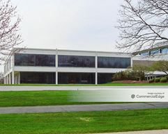 Harger Woods Corporate Center - Oak Brook