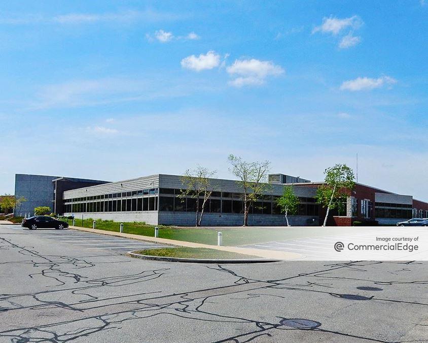 Cutler Lake Corporate Center