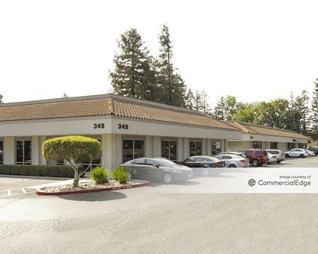 Oakmead Village Square - Sunnyvale