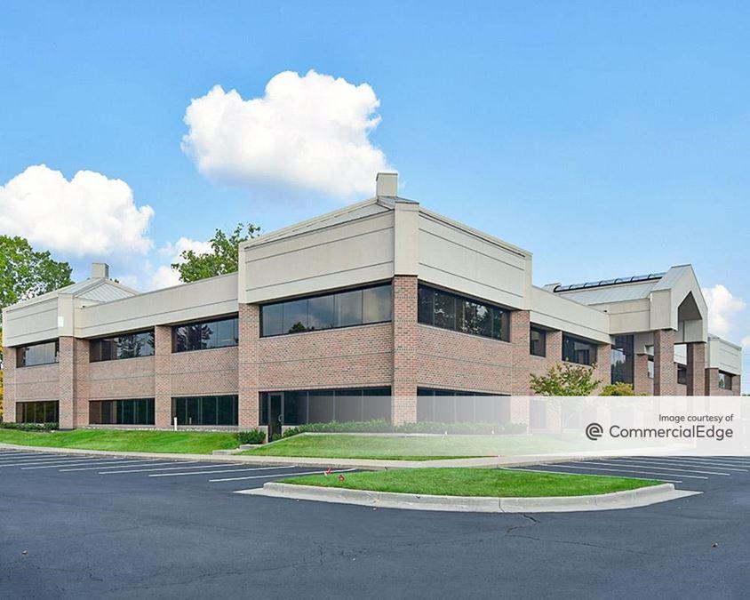 Glenwood Hills Office Park - 5537 Glenwood Hills Pkwy SE