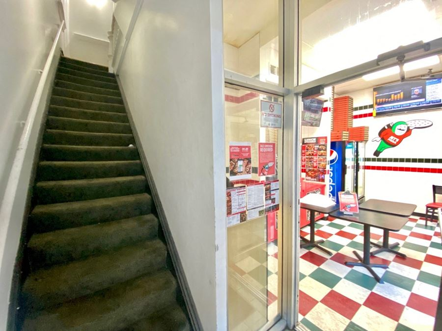 207 W Superior - Third Floor Commercial Space