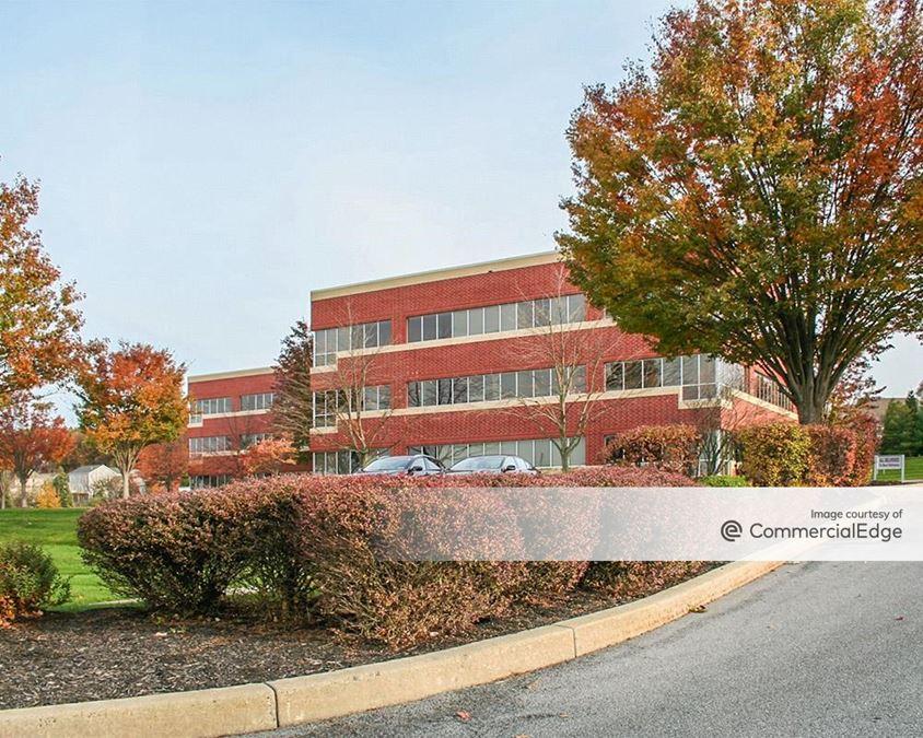 Rossmoyne Business Center - 4999 Louise Drive