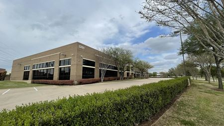 10,203 SF Office with Large Open Area Space Photo Gallery 1