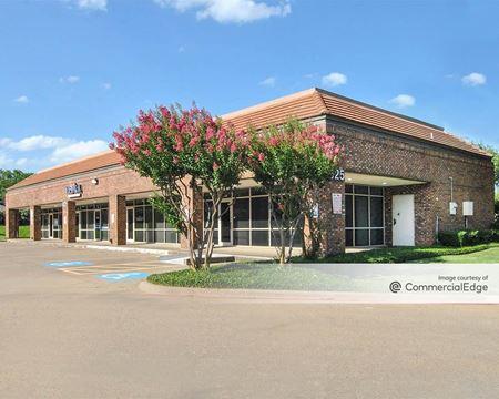 Center Creek Plaza - Garland