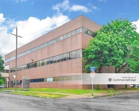 Carpenter Medical Plaza - Hamtramck