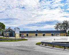 2070 Carrell Road - Fort Myers