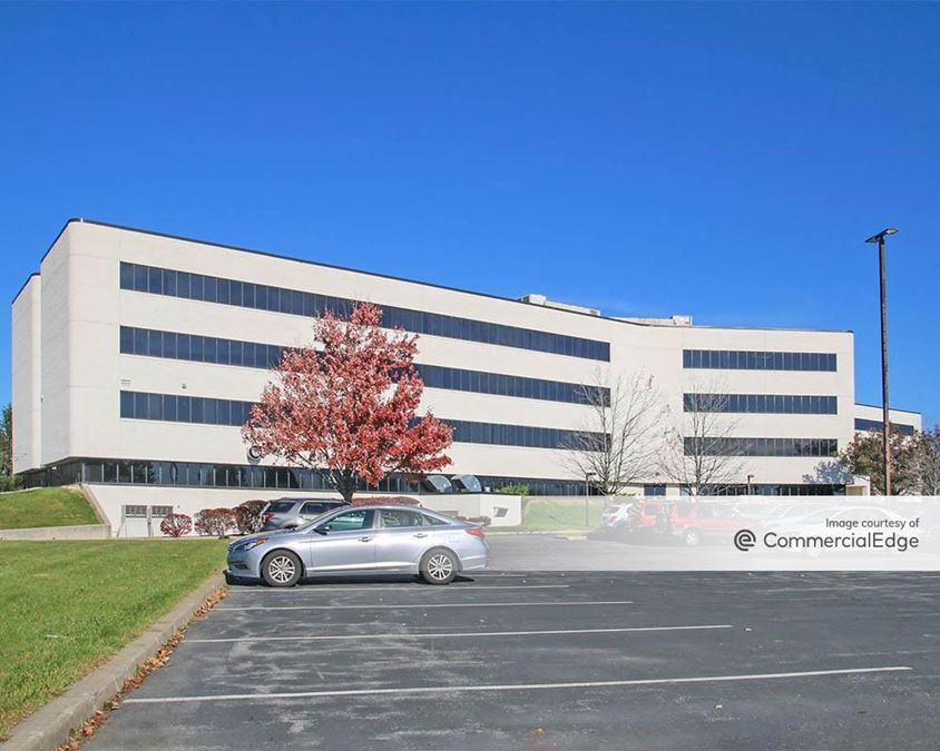 Iron Run Corporate Center - Two Windsor Plaza