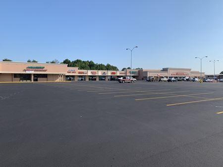 Grandview Pines Shopping Center - Millbrook