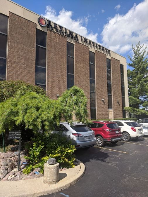Offices for Lease at the Golf Western Professional Building and Surgical Center