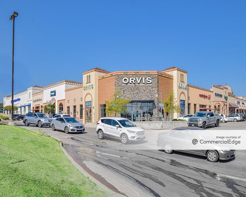 Chapel Hill Shopping Center - 4601 West Fwy
