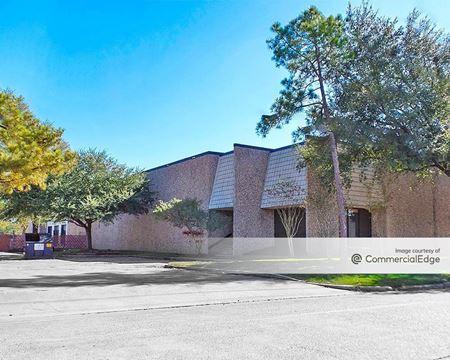Pine Forest Business Park - 415, 425 Blueberry Street & 3900 Distribution Blvd - Houston