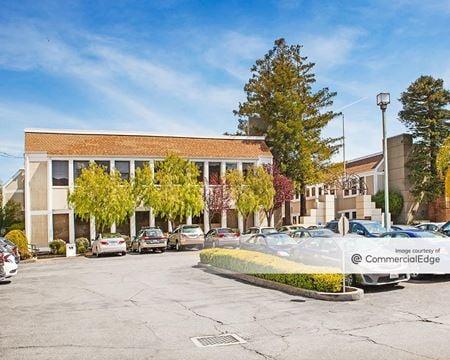 Corte Madera Plaza - 21 Tamal Vista Blvd - Corte Madera