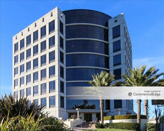 Playa District - 6601 Center Drive