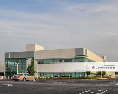 Sunrise Business Center - Great River