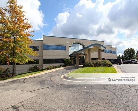 770 Kenmoor Avenue SE - Grand Rapids