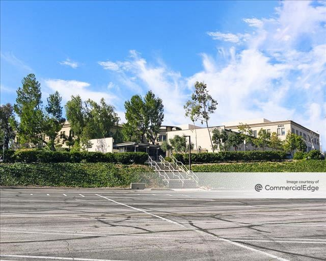 Corporate Pointe at West Hills - 8401 Fallbrook