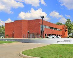 16 Centre Plaza - Tulsa