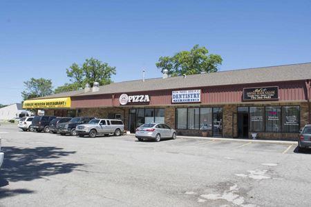 Oak Plaza - Westland