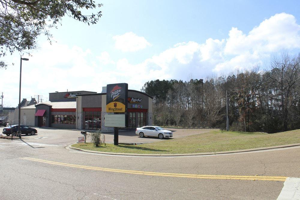 Hwy 80 Pizza Hut Building - Brandon, MS