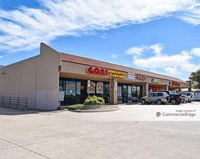 Denton Square Shopping Center - Denton