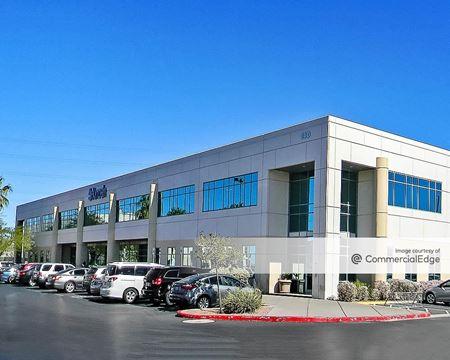 Stephanie Beltway Center - 140 & 160 North Stephanie Street - Henderson
