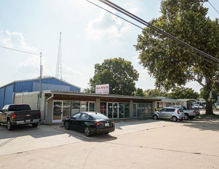 13216 Pond Springs Road - Austin