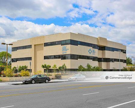 West Park Medical Plaza - Canoga Park