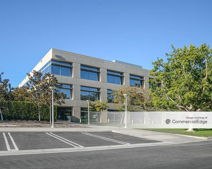 The Capital Group Campus - 15265 Sand Canyon Avenue