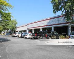 Northfield Business Center - 1000 & 1050 Northfield Court - Roswell