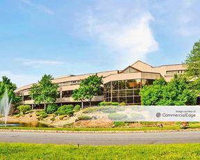 N.U.S. Corporate Plaza