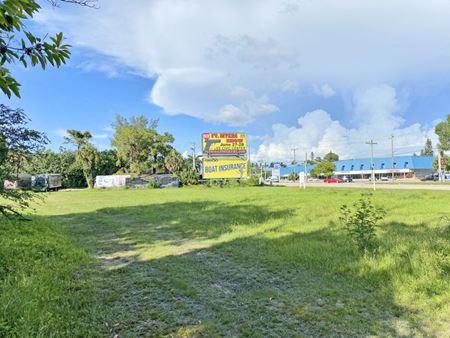 16758 McGregor Blvd - Fort Myers