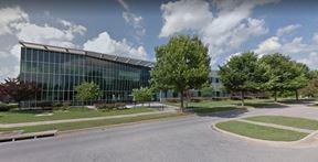 UNIVERSITY OF ARKANSAS TECHNOLOGY CENTER INSUITES - Fayetteville