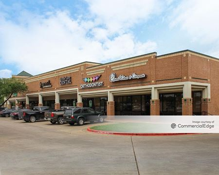 Cannon Oaks Shopping Center - Austin