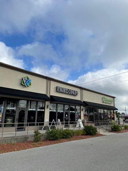 Prime Retail Building & Parcel - Cape Coral