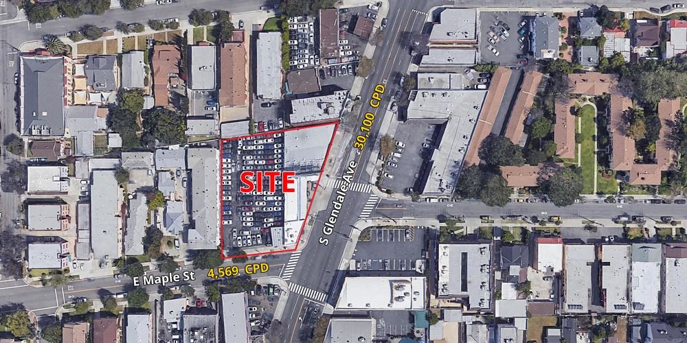 Signalized Corner - Glendale, CA