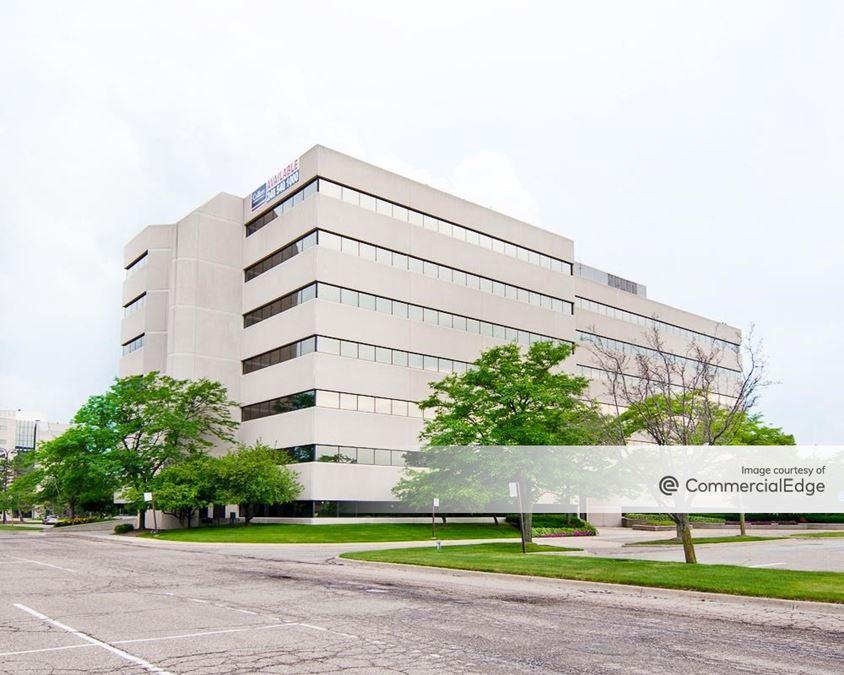 Robbins Executive Park West - 850 Stephenson Hwy