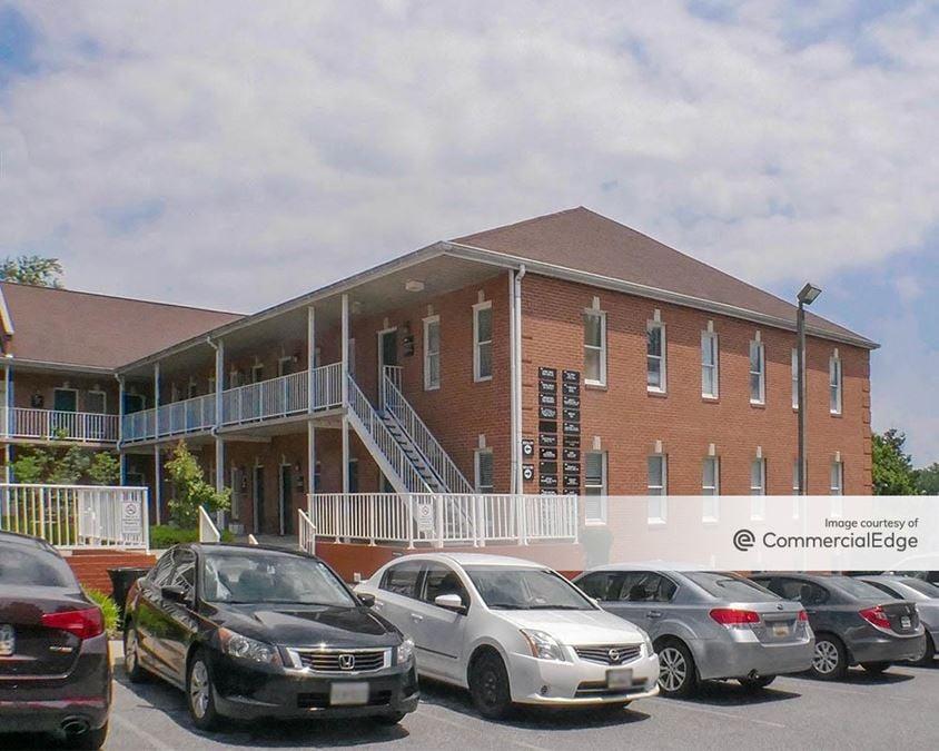 Laurel Pines Professional Building