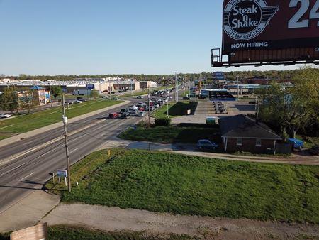 614 N Burkhardt Rd. - Evansville