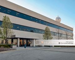 Medline Industries Corporate Headquarters - 1 Medline Place - Mundelein