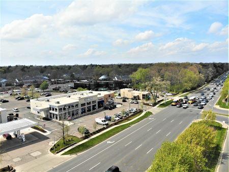 Bloomfield Hills Plaza - Bloomfield Township
